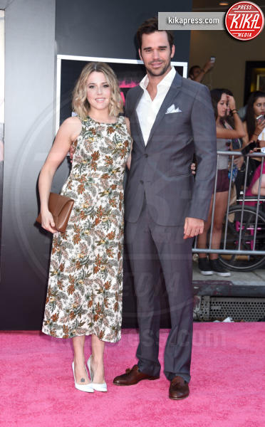 David Walton, Majandra Delfino - Westwood - 26-07-2016 - Mila Kunis incinta guida le Bad Moms di Hollywood
