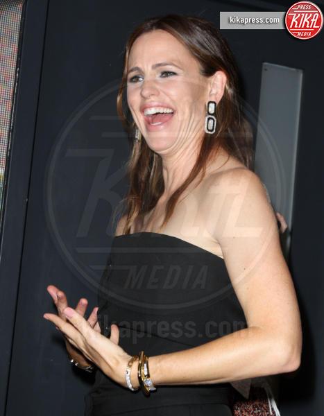 "Jennifer Garner - Los Angeles - 01-08-2016 - Jennifer Garner: ""Brad Pitt e io ci stiamo frequentando"""