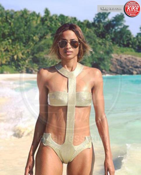 Ciara - 02-08-2016 - Chi lo indossa meglio? Ciara e Kourtney Kardashian in La Perla