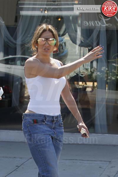 Jennifer Lopez - Los Angeles - 01-08-2016 - Il seno di Jennifer Lopez fa impazzire il web
