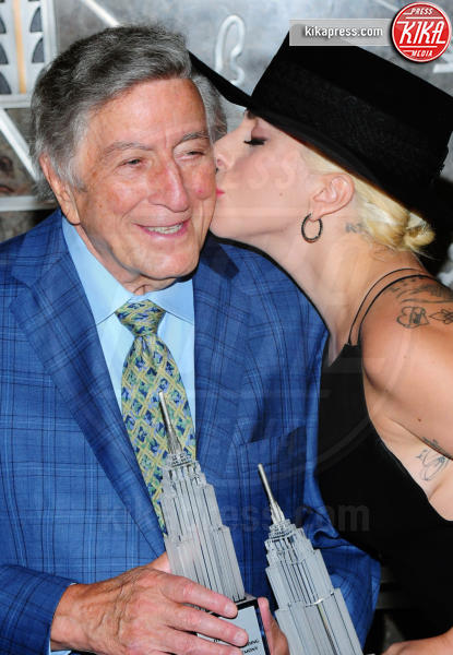 Lady Gaga, Tony Bennett - New York - 03-08-2016 - Lady Gaga presenta il nuovo singolo Perfect Illusion