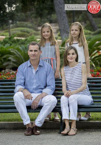 Principessa Leonor di Borbone, Re Felipe di Borbone, Principessa Sofia, Letizia Ortiz - Palma de Mallorca - 04-08-2016 - Felipe e Letizia di Borbone, ritratto di famiglia (reale)