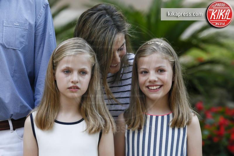 Principessa Leonor di Borbone, Principessa Sofia - Madrid - 04-08-2016 - Felipe e Letizia di Borbone, ritratto di famiglia (reale)