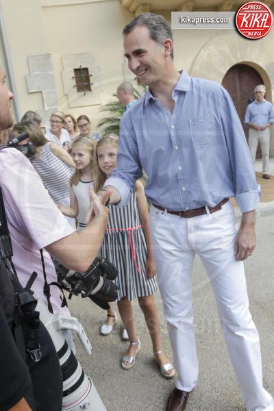 Re Felipe di Borbone - Madrid - 04-08-2016 - Felipe e Letizia di Borbone, ritratto di famiglia (reale)