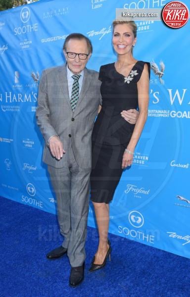 Shawn King, Larry King - Beverly Hills - 10-08-2016 - Scarlett Johansson: