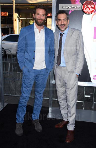 Todd Phillips, Bradley Cooper - Hollywood - 15-08-2016 - Arriva lo spin-off sul Joker: ecco chi lo realizzerà