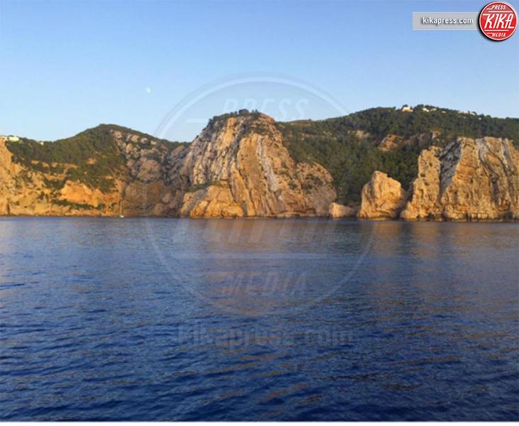 Mia Facchinetti, Alessia Marcuzzi - Ibiza - 21-08-2016 - Le vacanze in barca di Alessia Marcuzzi e Mia