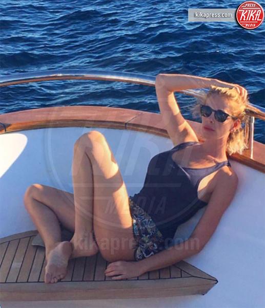 Alessia Marcuzzi - Ibiza - 21-08-2016 - Le vacanze in barca di Alessia Marcuzzi e Mia