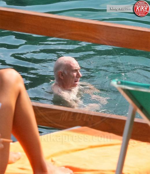 Davide mengacci relax con la moglie prima della tv foto - Bagno davide gatteo mare ...