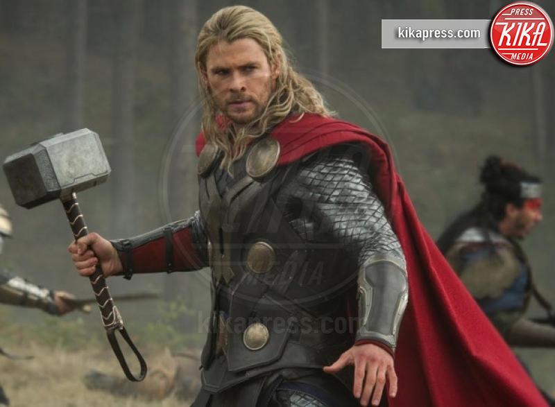 Chris Hemsworth - 22-08-2016 - Hemsworth-Hiddleston, le prime foto sul set di Ragnarok