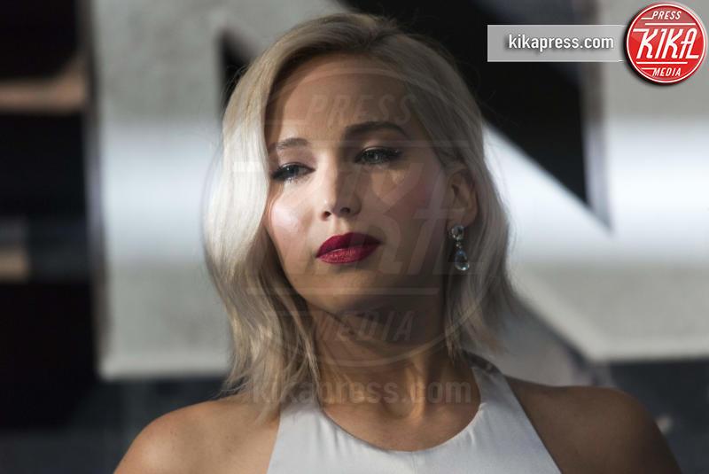 Jennifer Lawrence - Londra - 09-05-2016 - Jennifer Lawrence e Darren Aronofsky: c'è il bacio