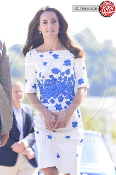 Kate Middleton - Luton - 24-08-2016 - Chi lo indossa meglio? Kate Middleton e Mindy Kaling