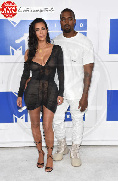 Kim Kardashian, Kanye West - New York - 28-08-2016 - Il cuore d'oro di Kim Kardashian e Kanye West