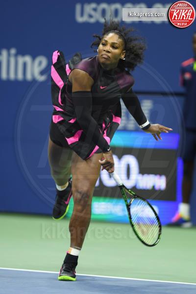 Serena Williams - 30-08-2016 - Serena Williams nuda con il pancione su Vanity Fair