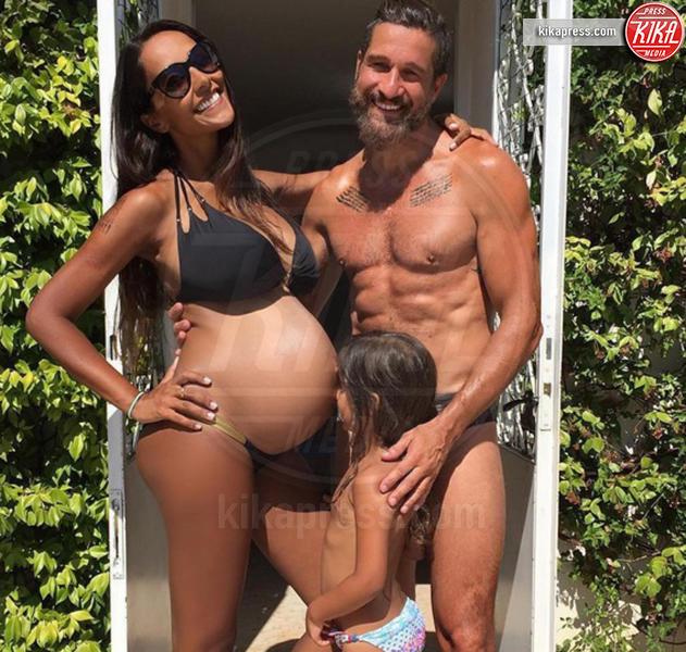 Edoardo Stoppa, Juliana Moreira - Milano - 02-09-2016 - Sono incinta! Quando l'annuncio è social