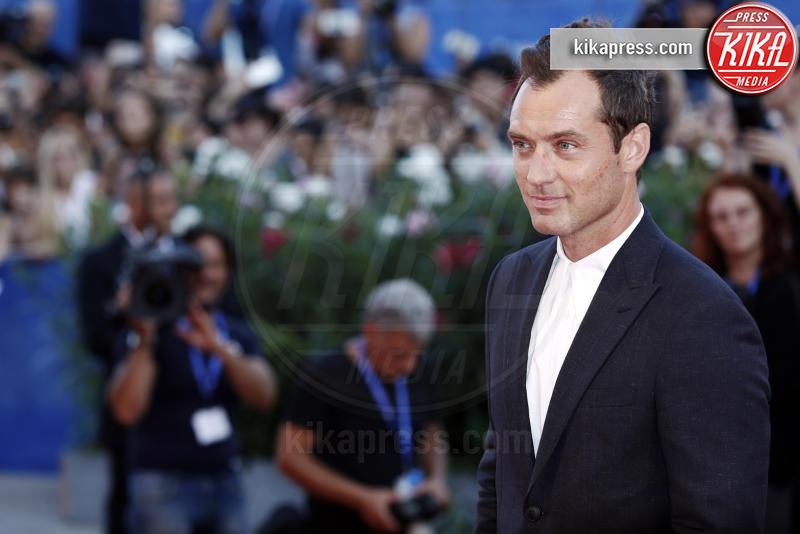 Jude Law - Venezia - 05-09-2016 - Venezia 73: Jude Law è The Young Pope per Paolo Sorrentino