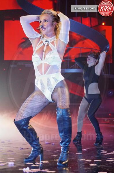 Britney Spears - Las Vegas - 03-09-2016 - Britney Spears esce allo scoperto con il nuovo fidanzato