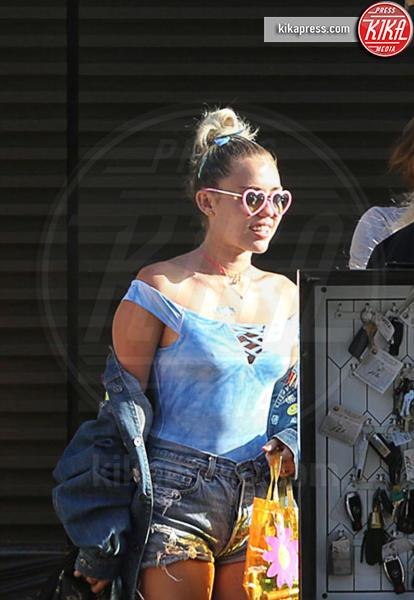 Miley Cyrus - Los Angeles - 05-09-2016 - D&G contro Miley Cyrus: