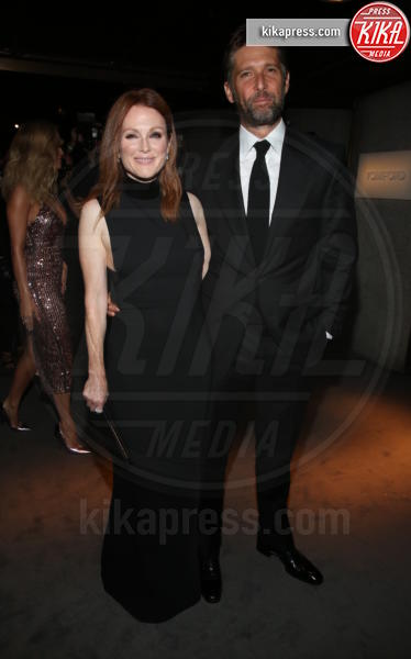 Bart Freundlich, Julianne Moore - New York - 07-09-2016 - New York Fashion Week: il parterre de rois del defilé Tom Ford