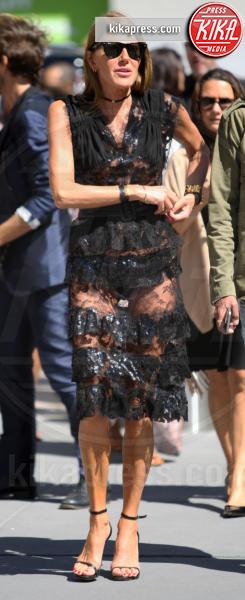 Anna Dello Russo - New York - 13-09-2016 - Vestiti scomodi e dove trovarli: seguite Kim Kardashian!