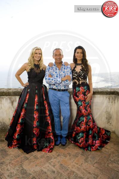 Luigi Auletta, Katherine Kelly Lang, Jacqueline MacInnes Wood - Napoli - 14-09-2016 - Steffy Forrester e Brooke Logan: innamorate della moda italiana