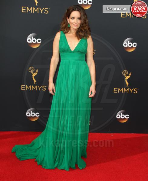 Tina Fey - Los Angeles - 18-09-2016 - Volete essere trendy? Allora dovete essere Verde Greenery!