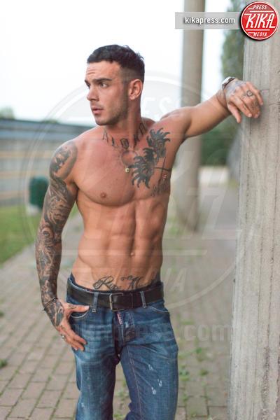 Lucas Peracchi - Milano - 17-09-2016 - Tra Lucas Peracchi e Silvia Corrias è vero amore (con tatuaggio)