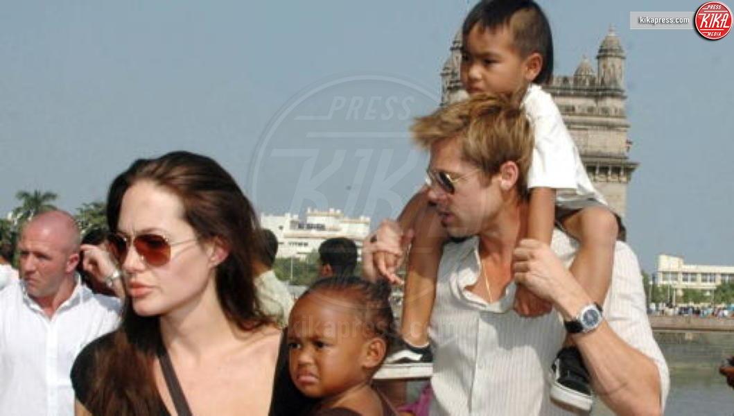 Angelina Jolie, Brad Pitt - Los Angeles - 13-03-2011 - Jolie-Pitt: nuovo accordo per l'estate sulla custodia dei figli