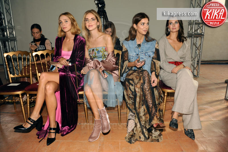 Anna Safroncik, Candela Novembre, Chiara Ferragni - Milano - 21-09-2016 - Milano Moda Donna: Chiara Ferragni da Alberta Ferretti