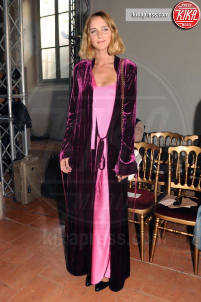 Candela Novembre - Milano - 21-09-2016 - Milano Moda Donna: Chiara Ferragni da Alberta Ferretti