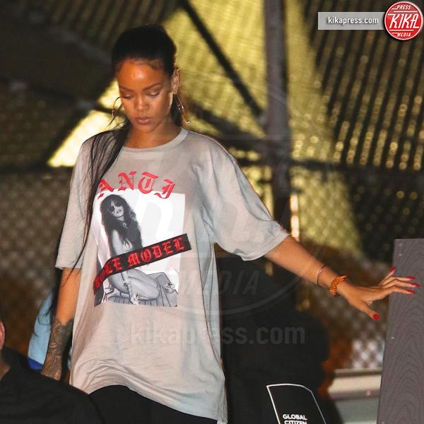 Rihanna - New York - 23-09-2016 - Rihanna: epica reazione al selfie di Drake e J-Lo