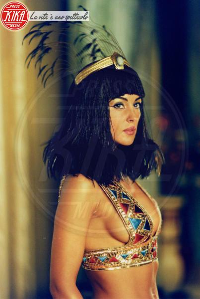 Monica Bellucci - Hollywood - 30-01-2002 - Monica Bellucci, 52 anni di fascino intramontabile