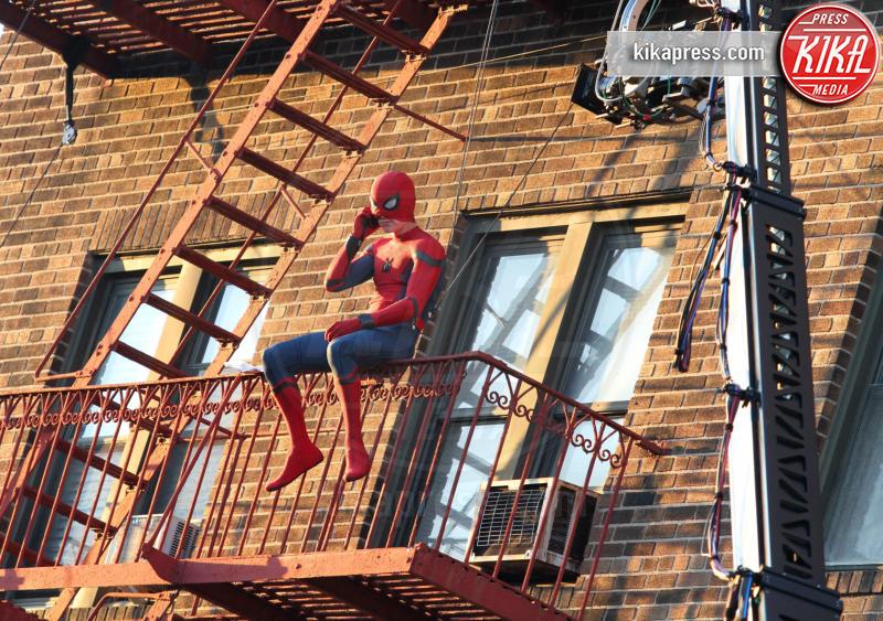 Tom Holland - New York - 27-09-2016 - Come fa Spiderman - Tom Holland a volare? Così!