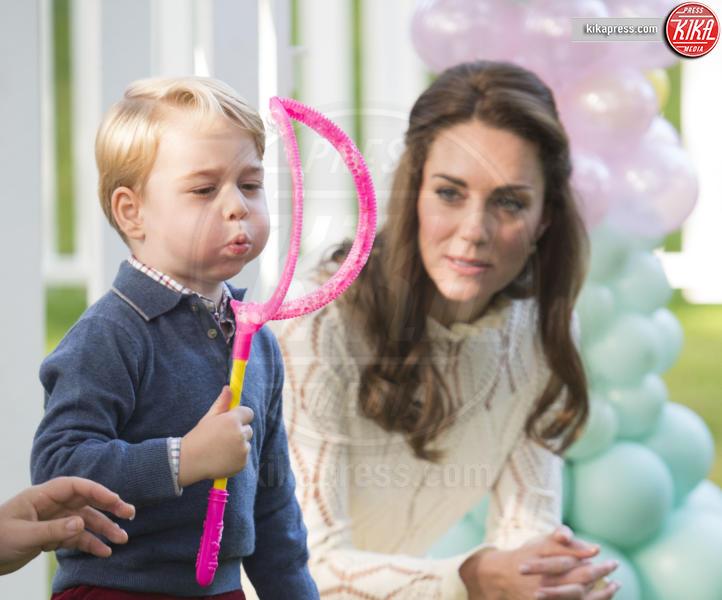 Principe George, Kate Middleton - Victoria - 30-09-2016 - Principino George: le sette foto che lo hanno resto una star