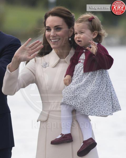 Principessa Charlotte Elizabeth Diana, Kate Middleton - Victoria - 01-10-2016 - Goodbye Canada! I duchi di Cambridge tornano a casa