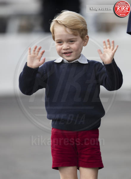 Principe George - Victoria - 01-10-2016 - Baby George, è arrivato il suo primo giorno di scuola!