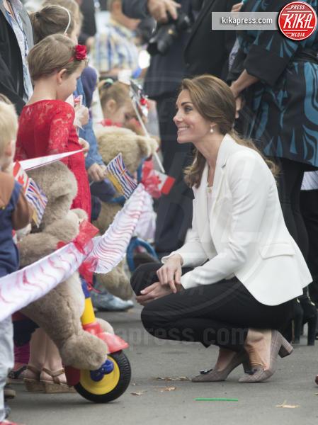 Kate Middleton - Victoria - 01-10-2016 - Vita da Kate Middleton? Provate a mettervi nelle sue scarpe!