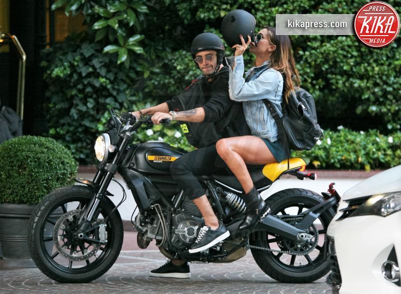 Andrea Iannone, Belen Rodriguez - Milano - 02-10-2016 - La trasformazione di Andrea Iannone in... Fabrizio Corona!
