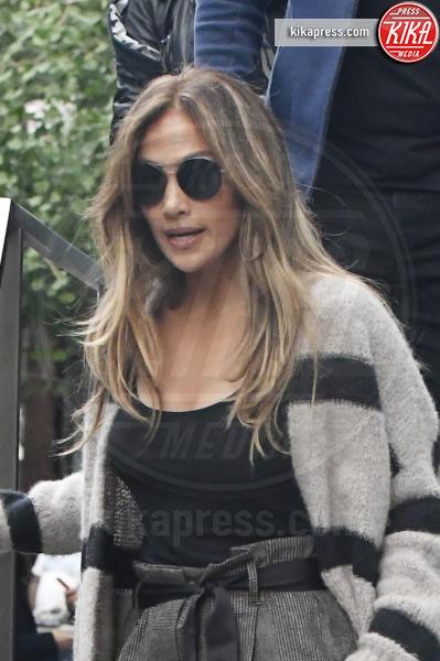 Jennifer Lopez - New York - 03-10-2016 - Il seno di Jennifer Lopez fa impazzire il web