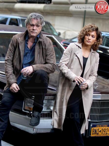 Ray Liotta, Jennifer Lopez - Manhattan - 05-10-2016 - Shades of Blue, Liotta- J.Lo, il lato oscuro della legge