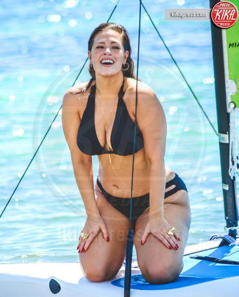 Ashley Graham - Cancun - 08-10-2016 - Forbes: cade l'impero di Gisele, la modella più pagata è lei!