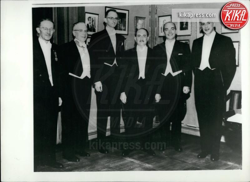 Severo Ochoa, Arthur Kornberg, Owen Chamberlain, Jaroslav Heyrovsky, Emilio Segre, Salvatore Quasimodo - 12-12-1959 - Addio Dario Fo, l'ultimo dei 20 Nobel italiani