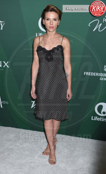 Scarlett Johansson - Beverly Hills - 14-10-2016 - Scarlett Johansson contro i paparazzi: