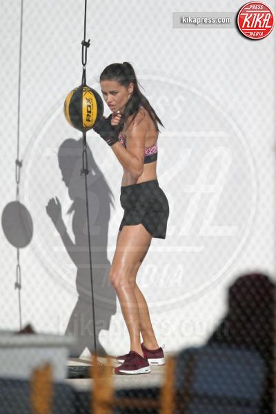 Adriana Lima - Miami - 21-10-2016 - Adriana Lima, un angelo che picchia come ...un dannato