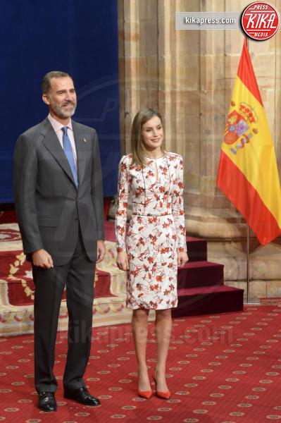 Re Felipe di Borbone, Letizia Ortiz - Oviedo - 21-10-2016 - Letizia di Spagna, regina di stile con genio e... regolatezza!