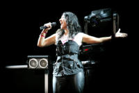 """Laura Pausini - 02-06-2007 - Laura Pausini subito in testa alle classifiche con il nuovo album """"Primavera in anticipo"""""""