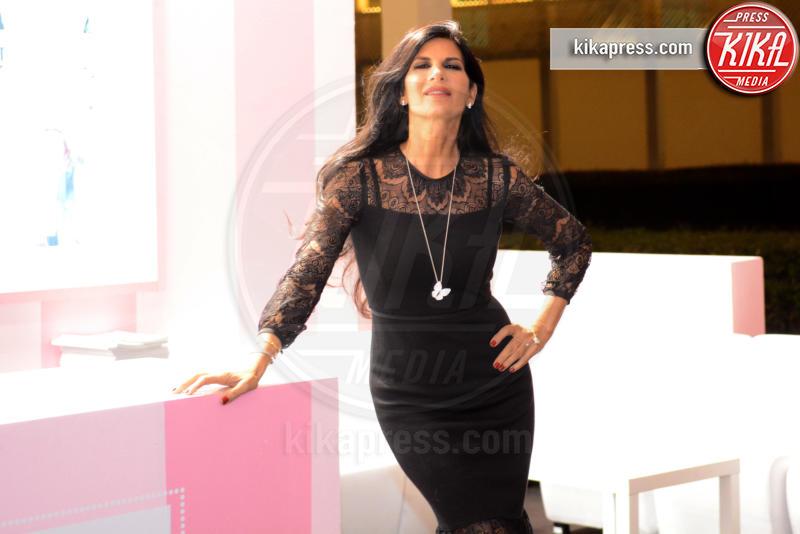 Pamela Prati - Napoli - 28-10-2016 - Pamela Prati come Michelle Hunziker, vittima di una setta?