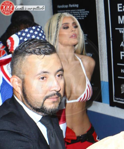 Kylie Jenner - Hollywood - 29-10-2016 - Chi lo indossa meglio? Kylie Jenner e Christina Aguilera