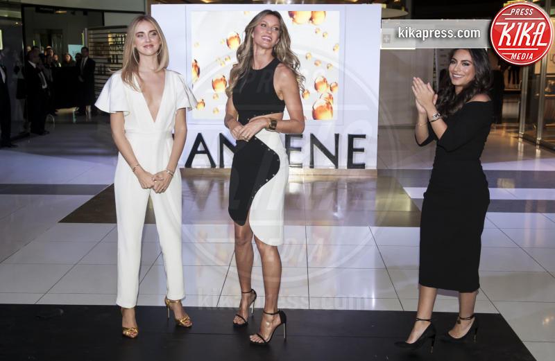 Ana Brenda Contreras, Chiara Ferragni, Gisele Bundchen - Città del Messico - 26-10-2016 - Chi lo indossa meglio? Gisele Bundchen e Diane Kruger