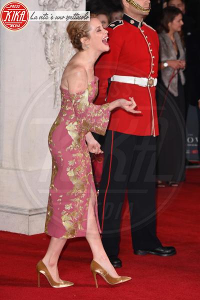 Claire Foy - Londra - 01-11-2016 - The Crown, la Regina Elisabetta II come non l'avete mai vista